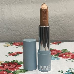 Kylie Cosmetics snow cute metallic lipstick
